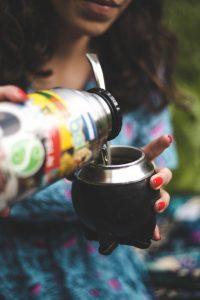 Gardez votre boisson à bonne température toute la journée avec un thermos