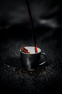 préparer de délicieux café dans son restaurant
